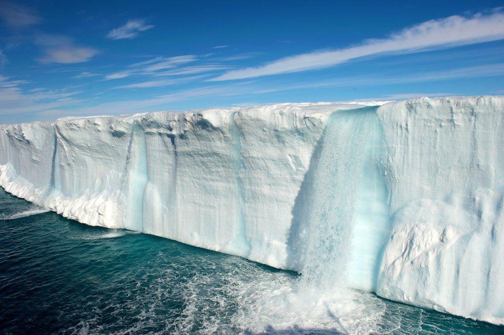 Pure cascade en Islande.