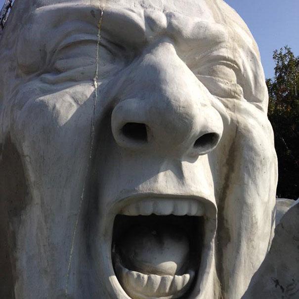 sculpture-geante-art-contemporain-création-design-Széchenyi-Budapest-Hervé Lranth Ervin