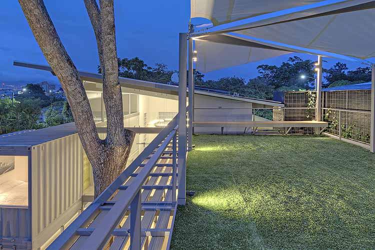 casa-incubo-maria-jose-trejos-maison-contenaire-container-architecture-moderne-pas chère