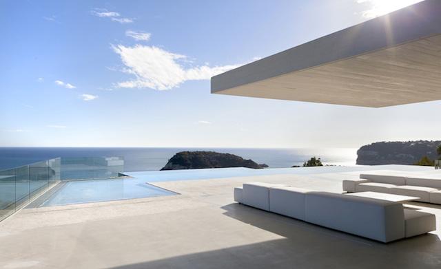 sardi nera-house-by-ramon-esteve-studio-architecture-contemporaine-design-intérieur-décoration