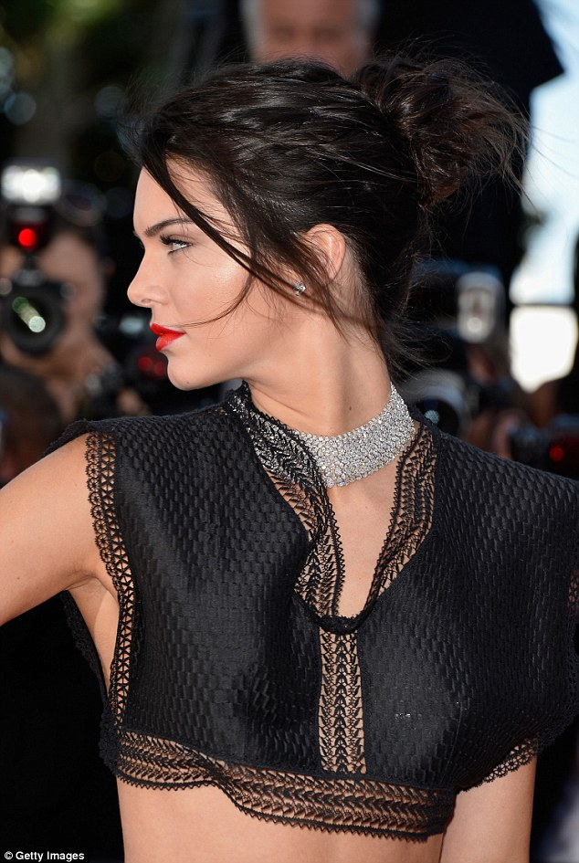 kendall-azzedine-alaîa-cannes-2015-red-carpet