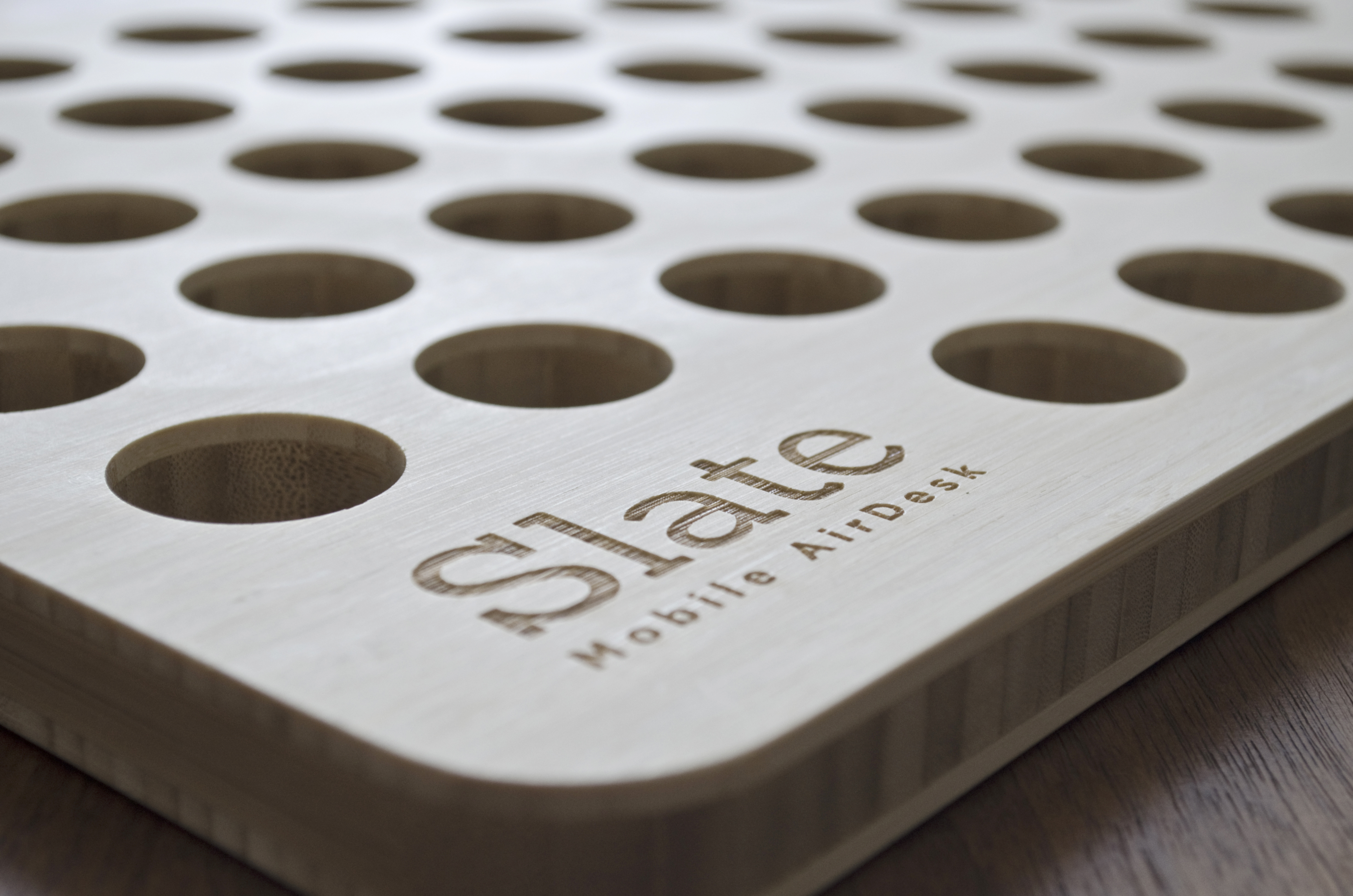slate-mobile-airdesk-helloodesigner