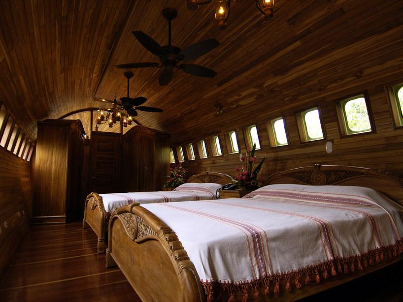 avion-hotel-helloodesigner1