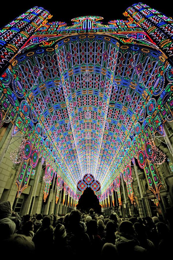 Festival_lumière_Belgique_cathédrale_led_decoration_eclairage_lights_Luminaire_Cagna