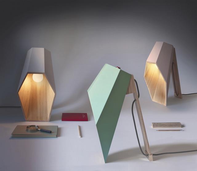 lampe à poser en bois pour bureau