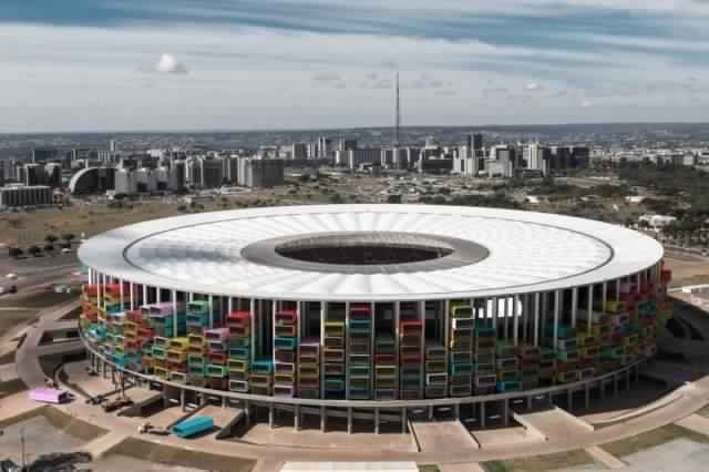 fifa-world-cup-brésil-logement-sdf-casa-futebol