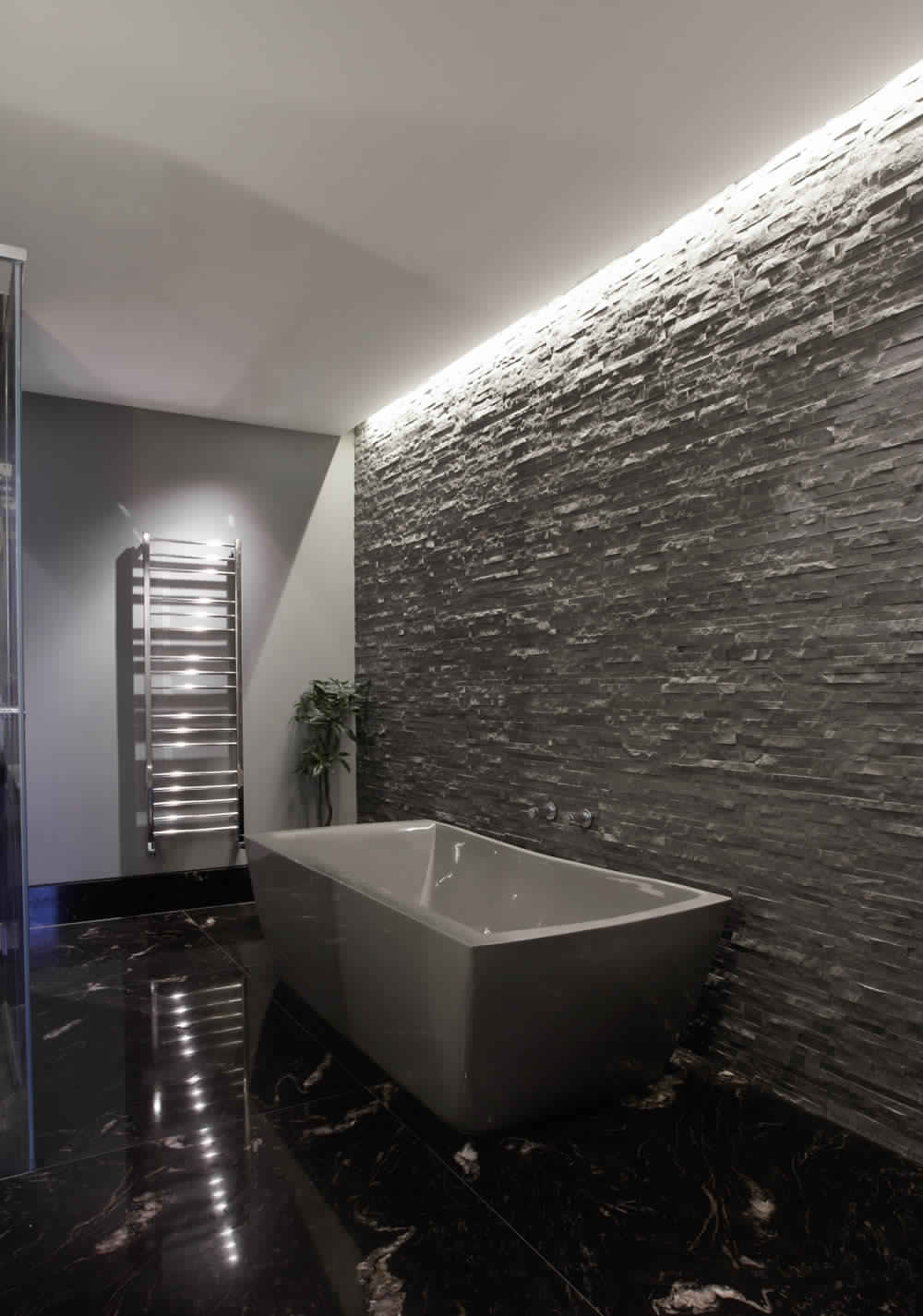 Knightsbridge-Residence-in-London-decoration-classique-luxe-salle de bain-cuisine-shower