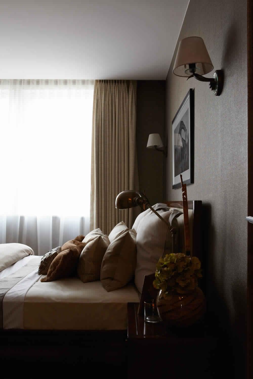 Knightsbridge-Residence-in-London-decoration-classique-luxe-salle de bain-cuisine