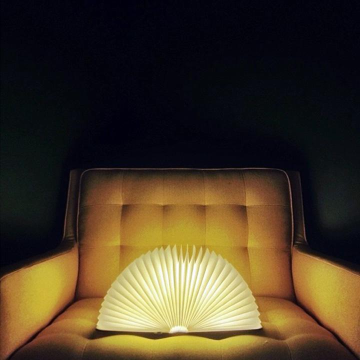 lampe pliante en forme de livre