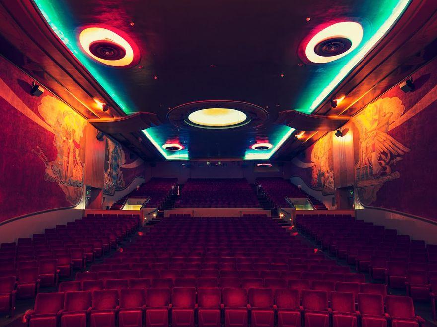 design-intérieur-cinema-décoration-art9
